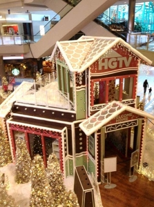 Giant Gingerbread House for Pop2Life/HGTV