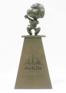 Metlife Bowl Snoopy Trophy for Metlife