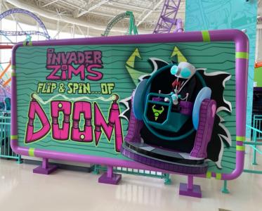15' Invader Zim Ride Entrance Photo Opp