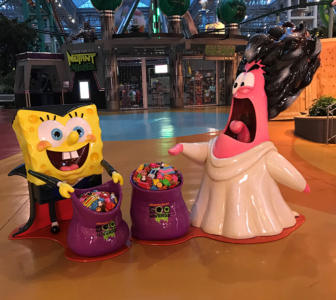 Halloween-themed SpongeBob and Patrick photo opp sculptures
